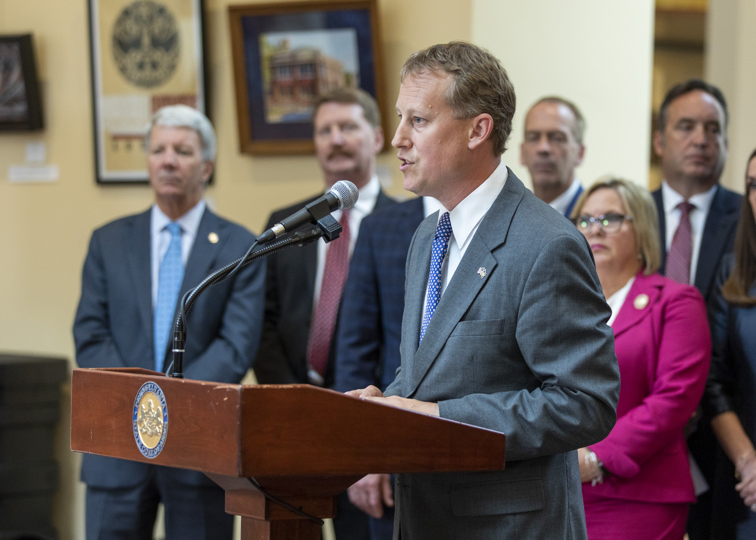 Senate Sends Opioid Treatment Agreement Bill To Governor's